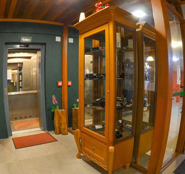 o-hotel-elevador